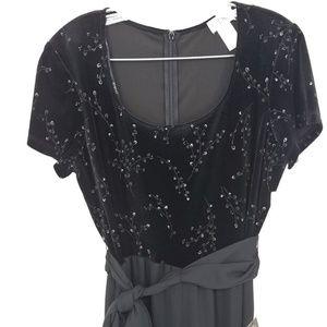 New CDC Size 10 Jumpsuit Black Velvet Upper Belted